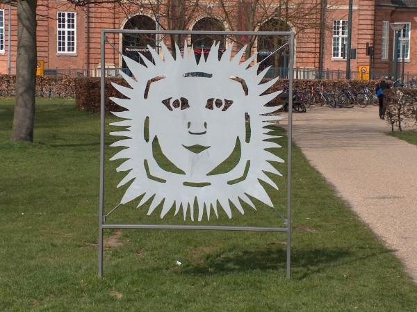 HCA symbol i Kongens Have i Odense. Foto Lars Bjørnsten