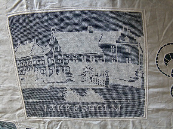 En del af en smuk dug, set på Lykkesholm i 2005. Foto: Lars Bjørnsten