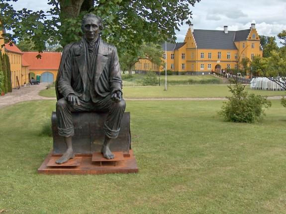 Lykkesholm med H.C. Andersen på besøg. Foto: Lars Bjørnsten 2005