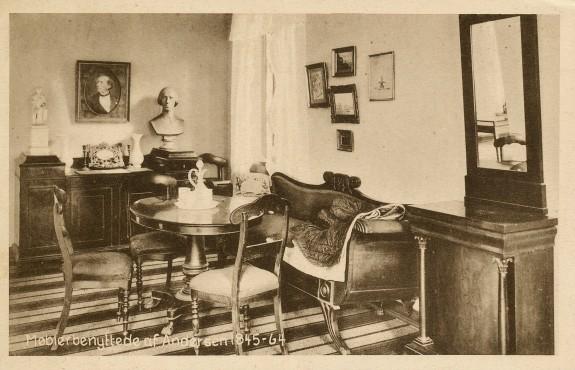 Møbler benyttede af H.C. Andersen 1845-1864. Foto H. Lønborg