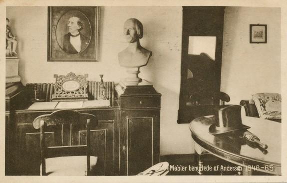 Møbler benyttede af H.C. Andersen 1846-1865. Foto H. Lønborg