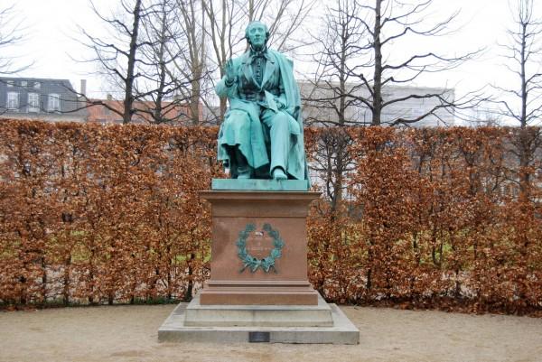 H.C. Andersen monumentet i Kongens Have i København. Foto Lars Bjørnsten 2012
