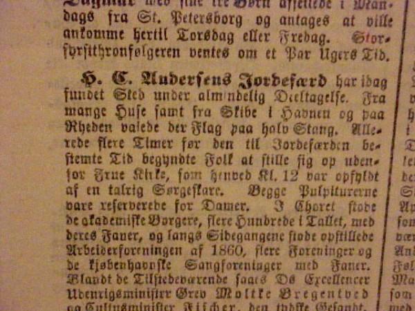 """""""Dagbladet"""" 12. august 1875 med omtale af H.C. Andersens begravelse 11. august 1875. Foto Lars Bjørnsten 2002"""
