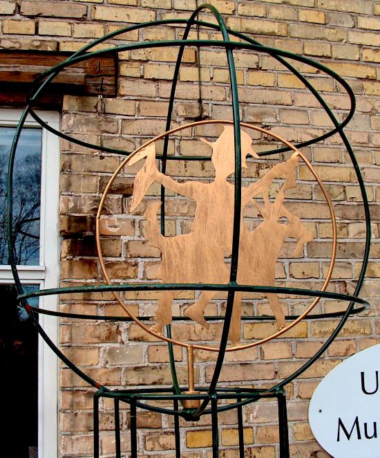 1-1-globe-klods-hans_small-001