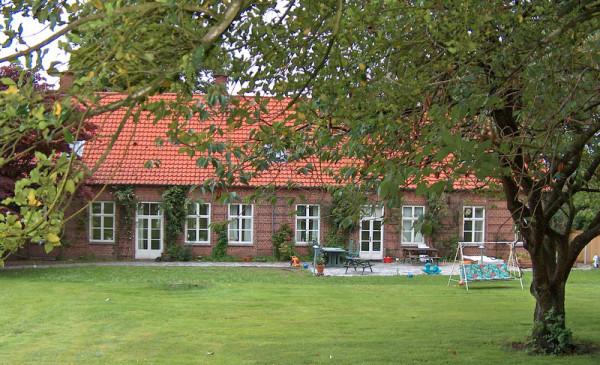 1-hjermind-praestegaard-2004