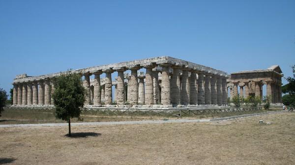 800px-Paestum_-_Temple_of_Poseidon_-_Temple_of_Hera_