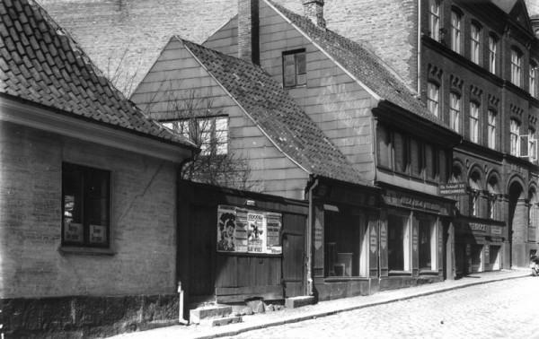 1-hca-barndomshjem-1924
