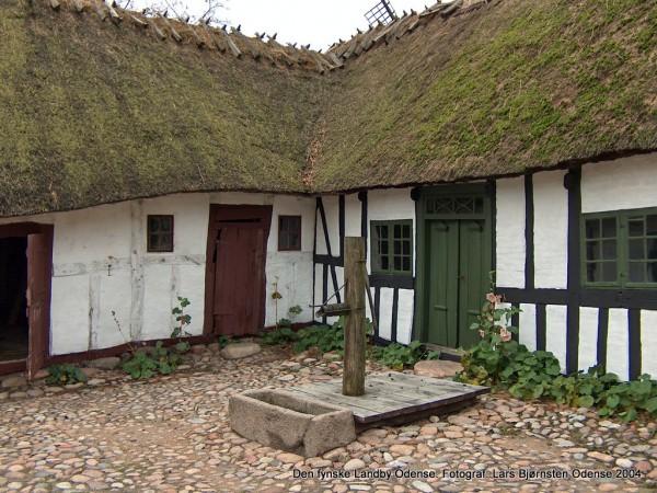 1-den-fynske-landsby-hus