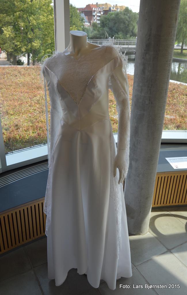 www romantica com studerende kjole
